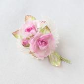 Брошь нежные шелковые розы с ангельскими крылышками