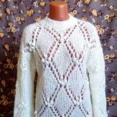 Белый ажурный свитер с ромбами