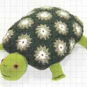 Вязаная подушка-игрушка «Черепаха»