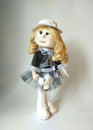 Кукла текстильная в чёрно-белом платье ручной работы на заказ