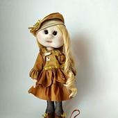 Кукла текстильная ручной работы в бронзовом платье