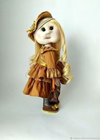 Кукла текстильная ручной работы в бронзовом платье ручной работы на заказ