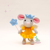 Вязаная игрушка мышка фея с крылышками