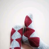 Вязаные носки из мохера
