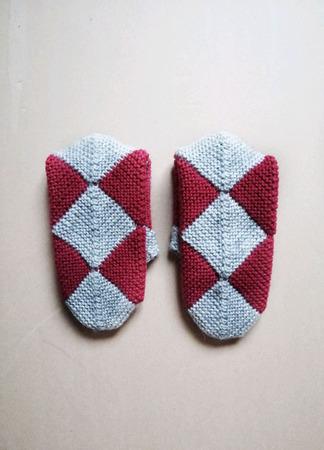 Вязаные носки из мохера ручной работы на заказ