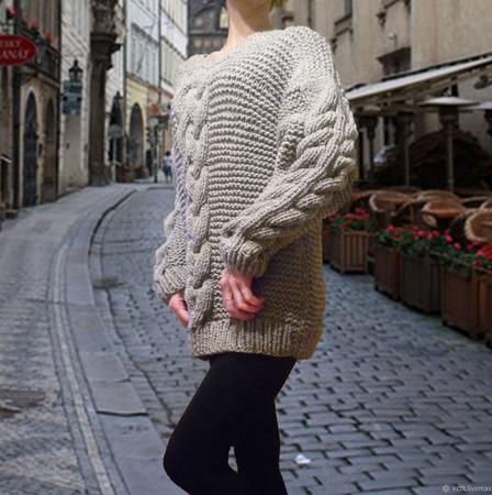 """Вязаный свитер оверсайз """"Палермо"""" с рельефными жгутами ручной работы на заказ"""