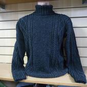 Мужской свитер с рельефными жгутами