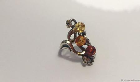 Кольцо с янтарем ручной работы на заказ