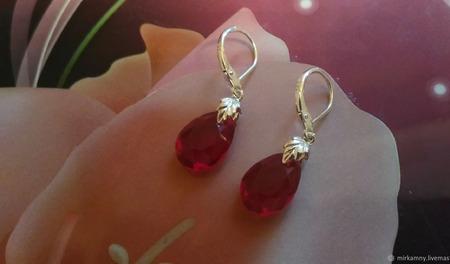 Серьги с красным кристаллом ручной работы на заказ