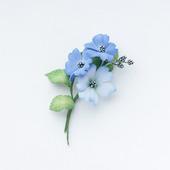 Брошь с голубыми цветами из фоамирана