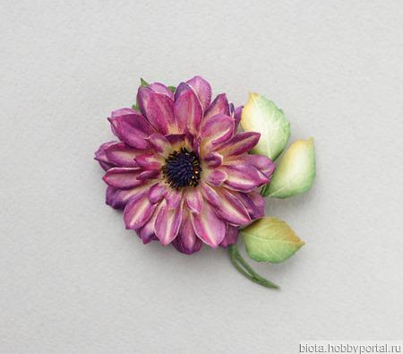 Украшение-брошь цветок малиновый марсала пурпурный из фоамирана ручной работы на заказ