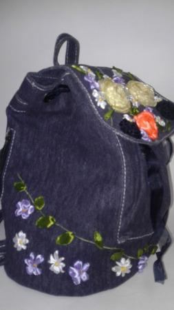 """Вышитый джинсовый рюкзачок """"Изящество"""" ручной работы на заказ"""