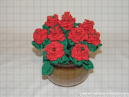 Букет красных роз в вазе ручной работы на заказ