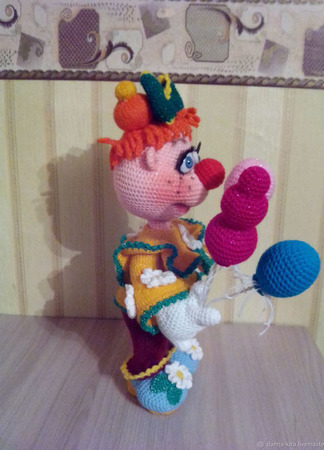 Игрушка вязаная Девчушка Манечка ручной работы на заказ