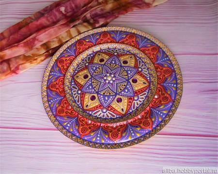 """Декоративная тарелка """"Сказки Ярилы"""" деревянная, точечная роспись ручной работы на заказ"""