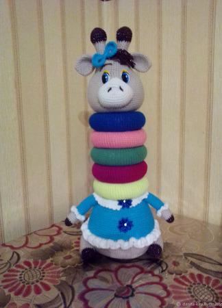 Вязаная игрушка - Пирамидка Жирафик ручной работы на заказ