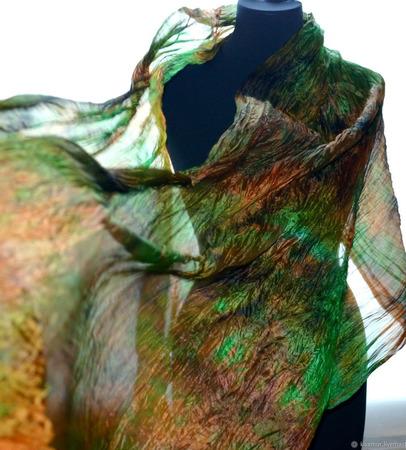 Большой шелковый шарф зеленый с оранжево коричневым ручной работы на заказ