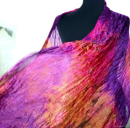 Яркий шелковый палантин женский ручной работы на заказ
