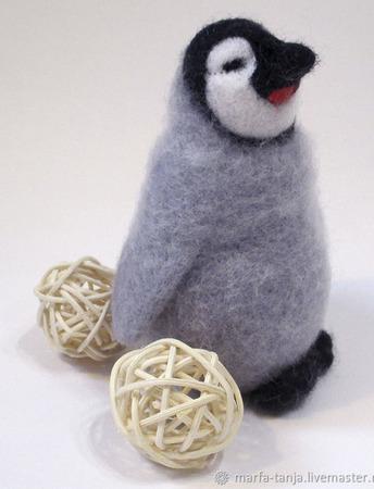 """Игрушка из войлока """"Пингвиненок"""" ручной работы на заказ"""