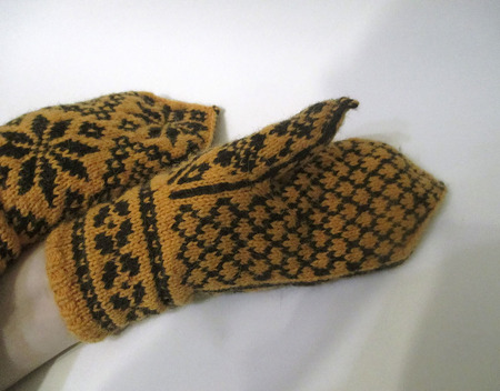 Варежки с жаккардовым орнаментом ручной работы на заказ