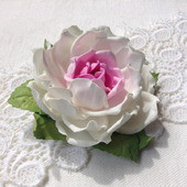 "Брошь ""Бело-розовая роза"""