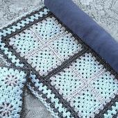фото: вязаный коврик крючком