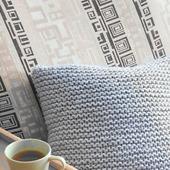 Декоративные подушки с пуговицами