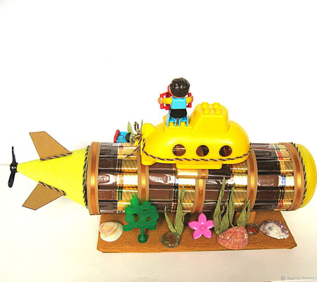 Подводная лодка из конфет ручной работы на заказ