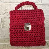 Вязаная сумка из трикотажной пряжи