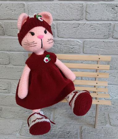 Игрушка вязаная Кошечка ручной работы на заказ
