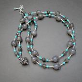 Серебряное колье-бусы с халцедоном и бирюзой