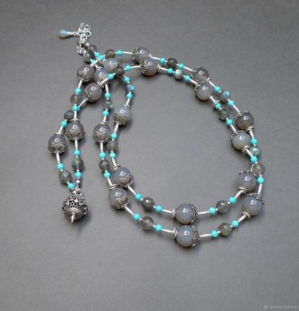Серебряное колье-бусы с халцедоном и бирюзой ручной работы на заказ