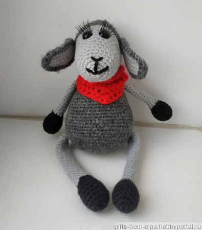 Вязаная овечка ручной работы на заказ