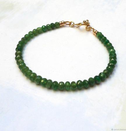 Браслет из цаворита золотой (зеленый гранат) ручной работы на заказ