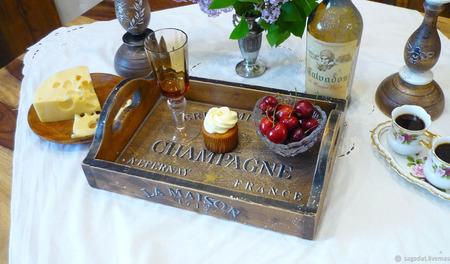 """Поднос из кедра """"Винный вкус Франции"""" ручной работы на заказ"""