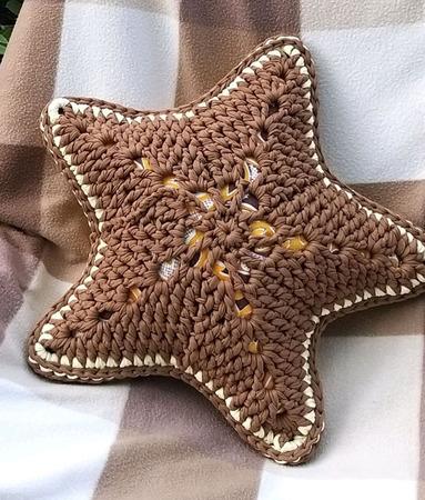 """Подушка """"Звезда"""" кофейно-сливочная ручной работы на заказ"""