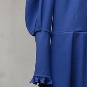 Платье с пышными рукавами Классический синий