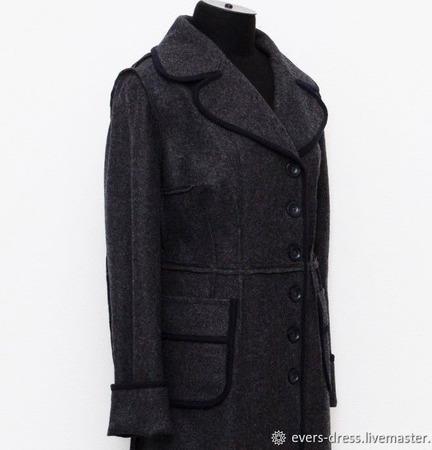 Пальто демисезонное с открытыми срезами Жаклин, лоден, шерсть ручной работы на заказ