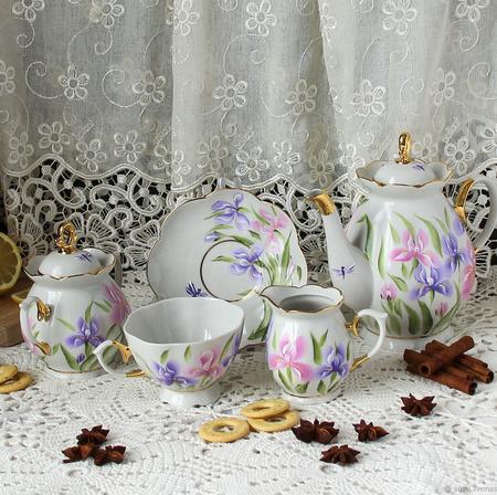 """Чайный сервиз с росписью """"Ирисовый вальс"""" ручной работы на заказ"""