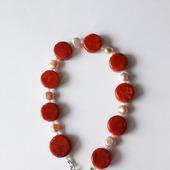 Жемчужно-коралловый браслет