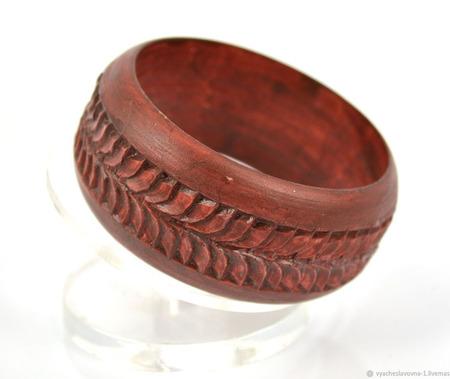 Деревянный резной браслет ручной работы на заказ