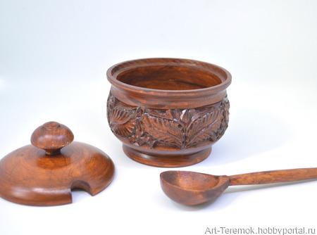 Большая деревянная солонка с крышкой и ложкой ручной работы на заказ