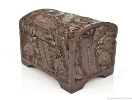 Маленькая деревянная шкатулка-сундучок для украшений, коричневая ручной работы на заказ