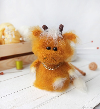 Вязаная игрушка Бычок Антошка ручной работы на заказ