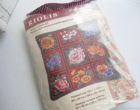"""Набор для вышивки """"Подушка Цветы"""" ручной работы на заказ"""