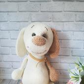 Игрушка вязаная - щенок бежевый
