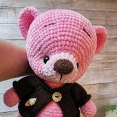 Игрушка вязаная - мишка плюшевый розовый в кофточке
