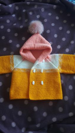 Детский кардиганчик, выполненный с стиле градиент ручной работы на заказ