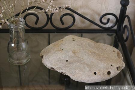 Морской камень плоский с кавернами для фотосессий ручной работы на заказ