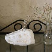 Морской камень белый с вкраплениями для фотосессий